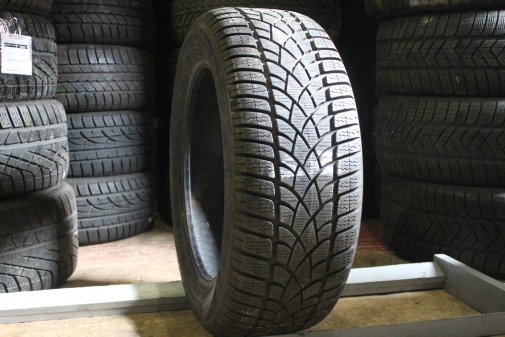 225/55 R17 Dunlop SP Winter sport 3D.  7.1.